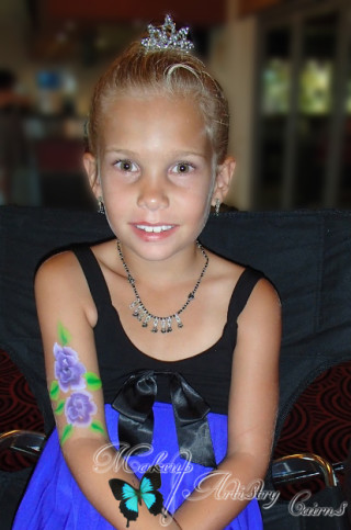 kids face painter cairns makeup artist