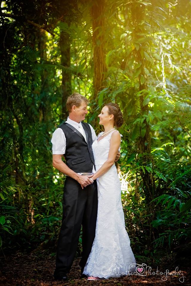 Cairns Hair And Makeup Artistry: Cairns Hair And MakeUp Artistry » Cairns Wedding Hair And