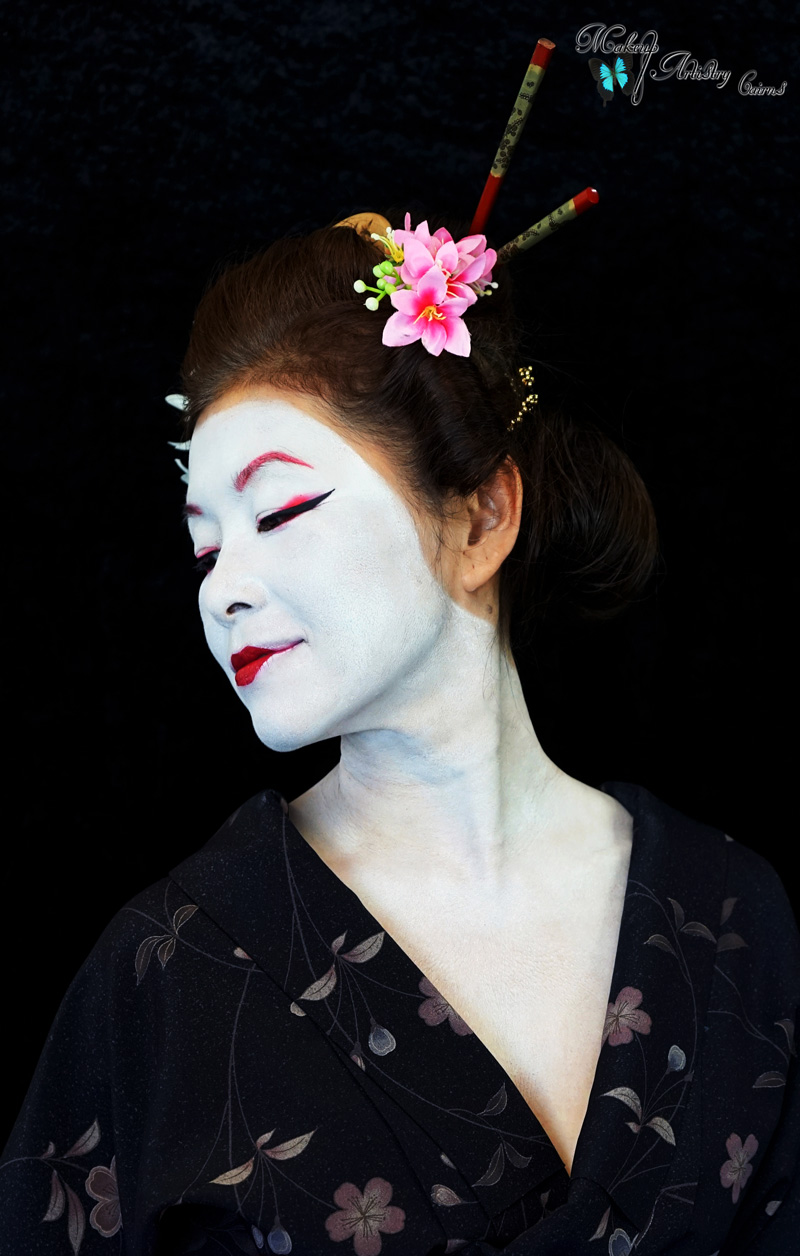 The eye makeup is red and black however the more experienced Geisha becomes, the less red eye makeup she may wear eventually perhaps omitting the red eye ...